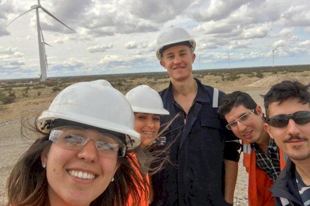Equipo de la UNTDF realizó ensayos eléctricos en Parque Eólico de Pico Truncado